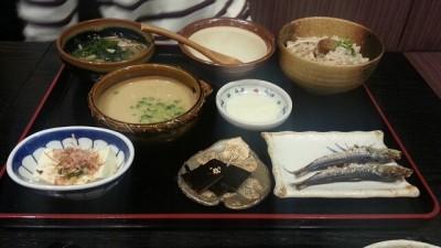⑤純手打ち蕎麦の信州庵の健康セット麦とろセット